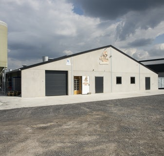 Belgian family Baudoin opens modern organic poultry house in Wallonia1