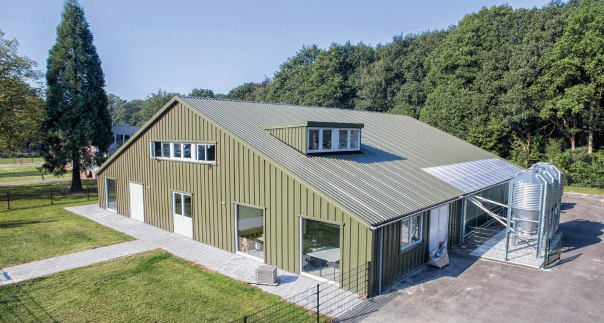 Netherlands6-Opening-Poultry-Innovation-Lab.jpg