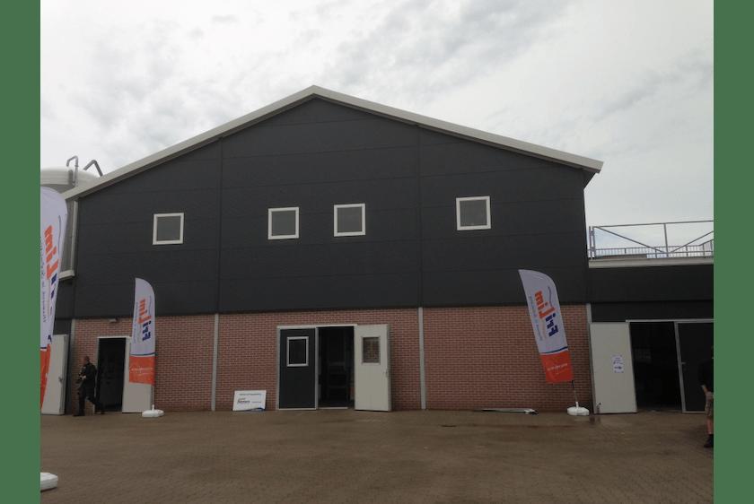 Netherlands8-New-two-level-poultry-barn-in-Raalte.jpg